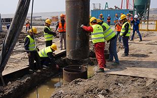 浦东机场填海土全护筒桩基施工